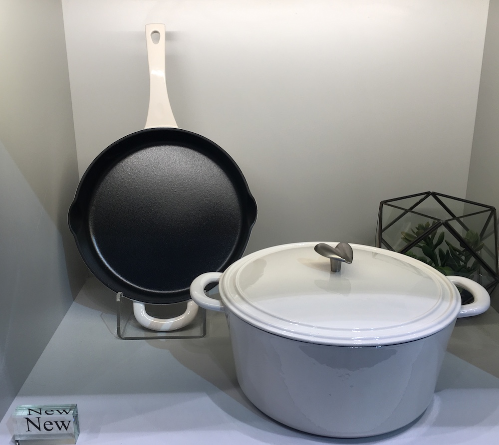 International home and housewares show best of cookware for Ayesha curry cookware